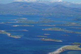 Ausblick auf Inseln vor der Küste
