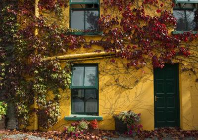 Bunte Häuser in Glengariff auf der Beara Halbinsel im County Cork
