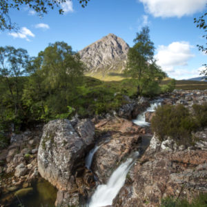 Autorundreisen Schottland Fluss Coupal in Glencoe