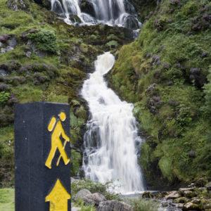 Autorundreisen Irland Assarancagh Wasserfall Donegal