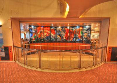 Kunst im Treppenhaus der MS Finnmarken