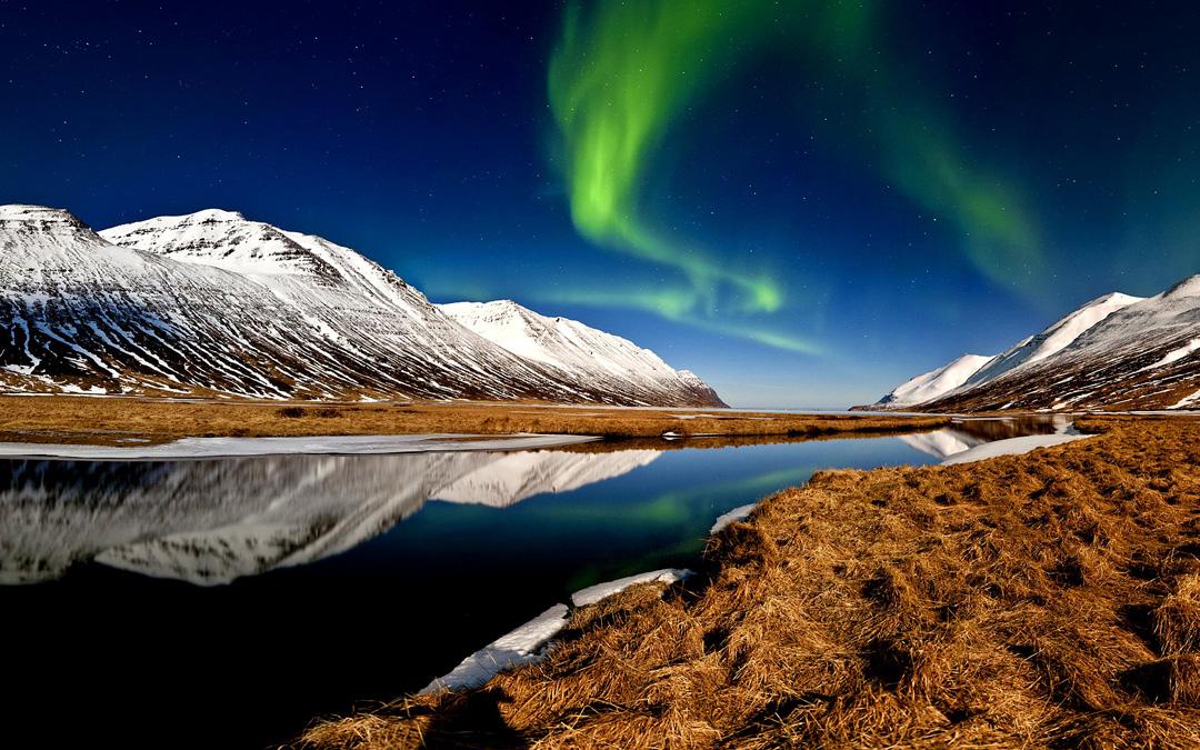 Island Reise im Ferienhaus unter Nordlichtern