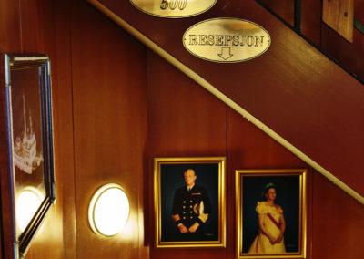 Treppenhaus der MS Lofoten