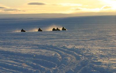 Schneescooter in Lappland, Norwegen