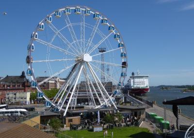 Sky Wheel am Hafen von Helsinki