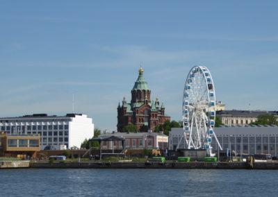 Blick auf die Uspenski Kathedrale in Helsinki