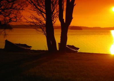 Sonnenuntergang auf Boa Island, County Fermanagh
