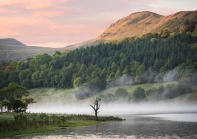 Sonnenaufgang am Glencar Lake im County Leitrim