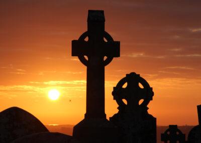 Sonnenuntergang am Hill of Slane im County Meath