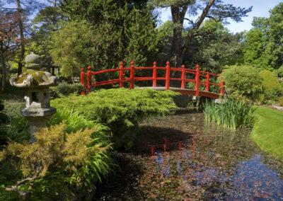 Die Brücke des Lebens im Japanischen Garten, County Kildare