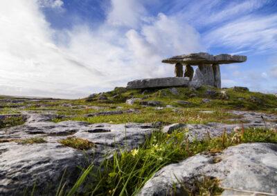 Poulnabrone Dolmen im The Burren Nationalpark, County Clare