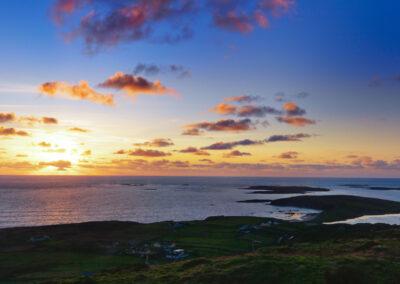 Sonnenuntergang an der Sky Road bei Clifden, County Galway