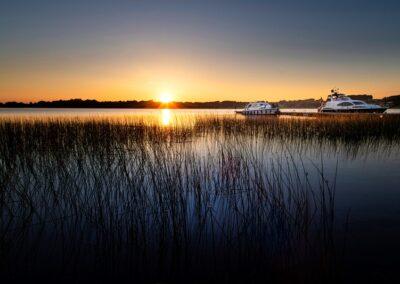 Sonnenuntergang über dem Lough Key im County Westmeath