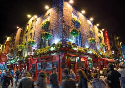 Temple Bar Viertel in Dublin bei Nacht